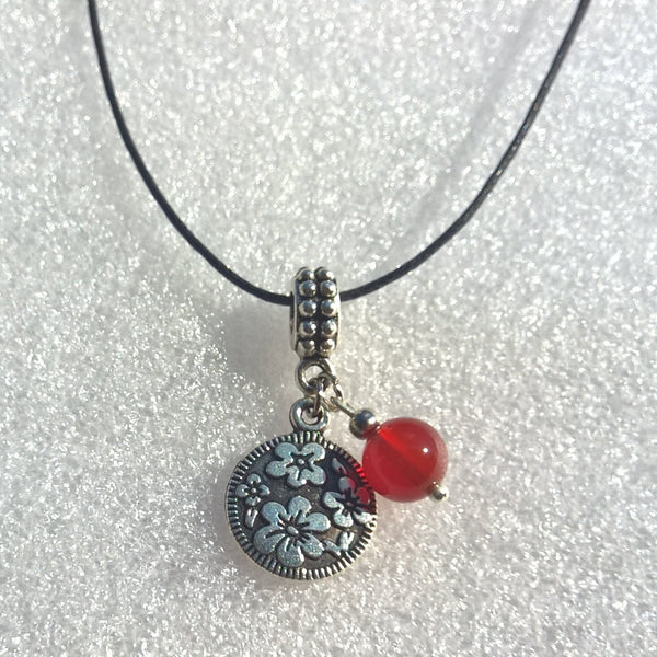 Womens Carnelian necklace, Rope stone necklace woman, flower agate charm necklace