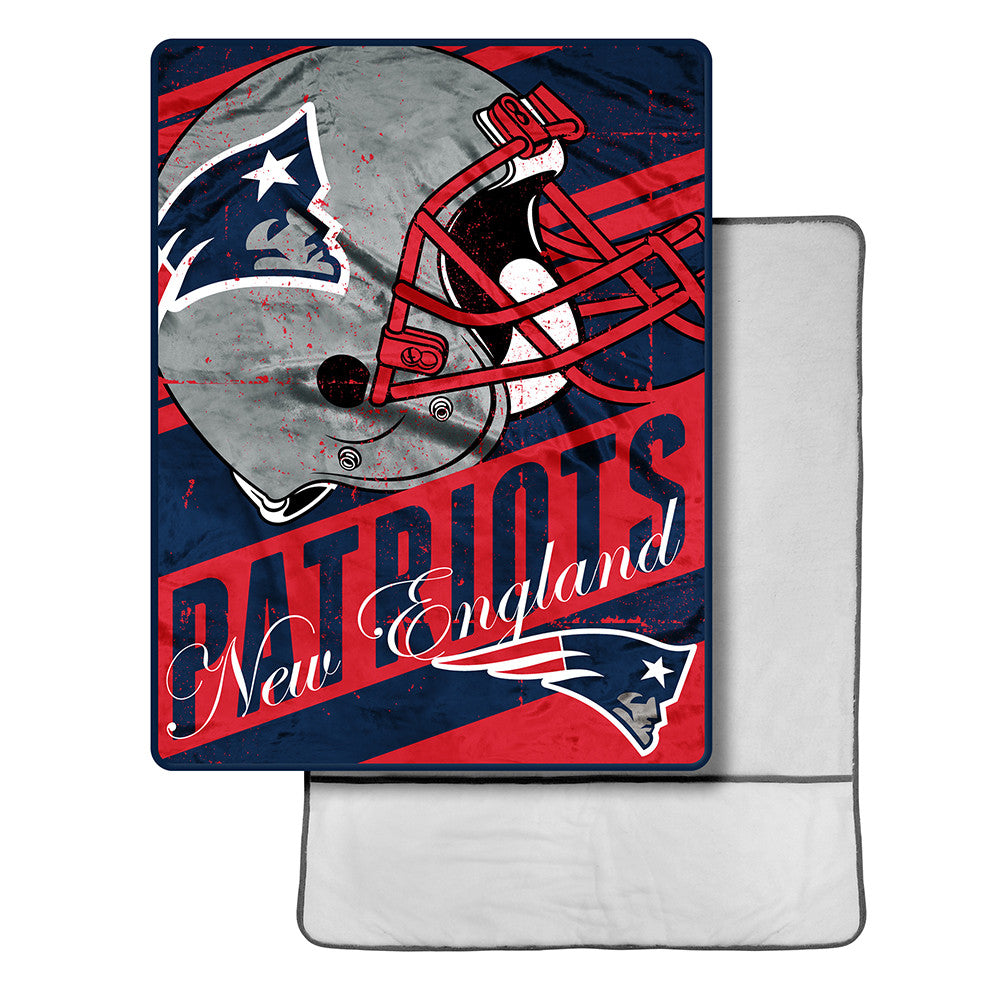 New England Patriots NFL Micro Sherpa Throw with Foot Pocket