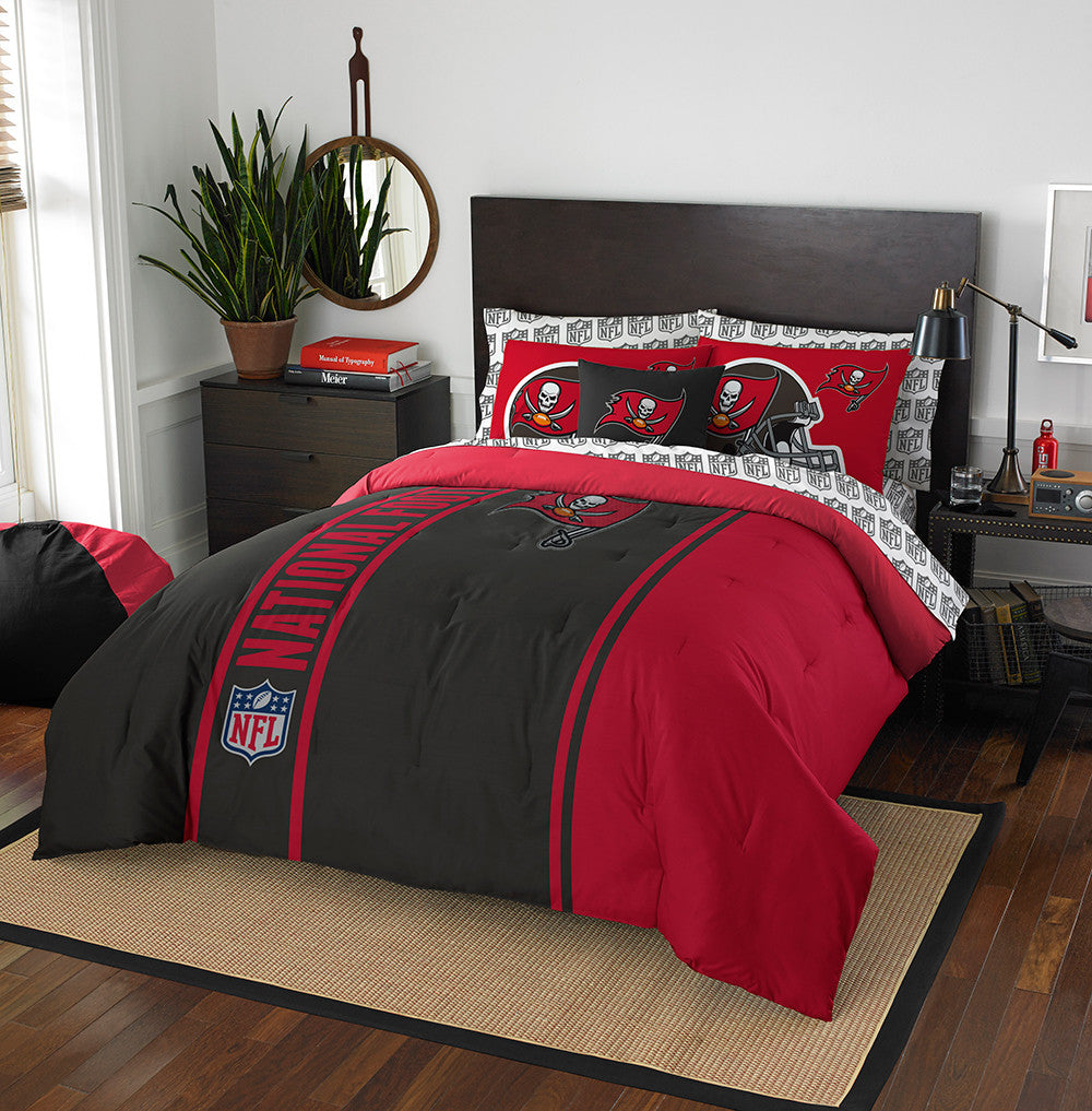 Tampa Bay Buccaneers NFL Full Comforter Bed in a Bag (Soft & Cozy) (76in x 86in)