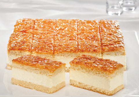 Bee Sting - Vanilla cream / Almond caramel slice (529)