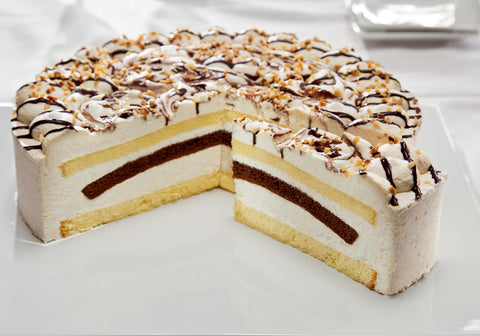 Hazelnut Cream Gateau (640)