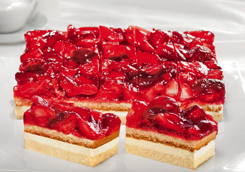 Strawberry Cream Slice (588)