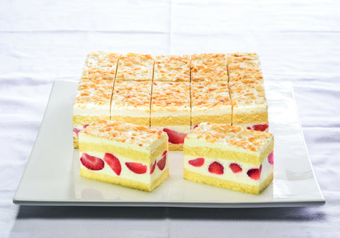 Strawberry Yoghurt Cream Slice (591)