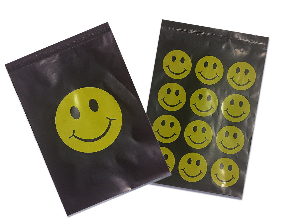 "Happy Smiley Face 10"" x 13"" Flat Poly Mailers, Fun Self Sealing Flat Envelope Smiley Face Happy Day Mailers - Wrappingmeup"