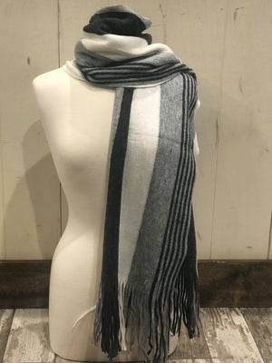 Striped oblong scarf