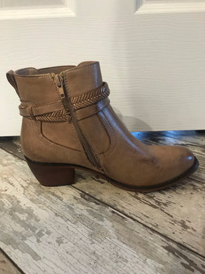 Squaw Natural Distressed Booties