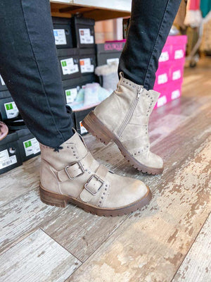 Maverick Combat Boots - Trendsetters Fashion Boutique