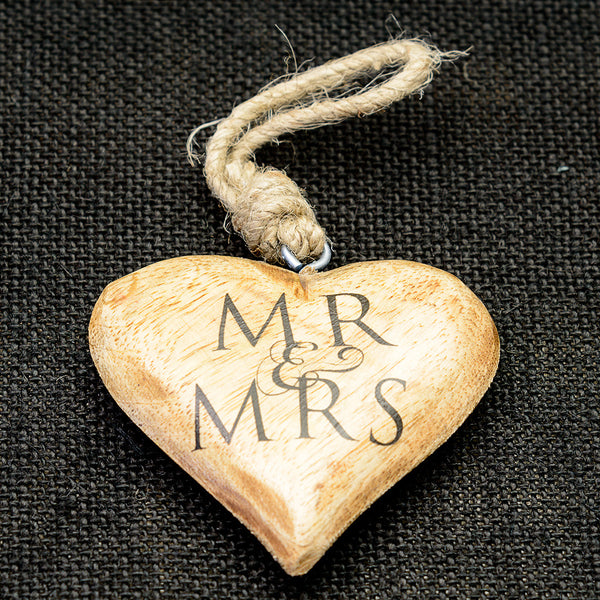 Wooden 'Mr & Mrs' hanging heart