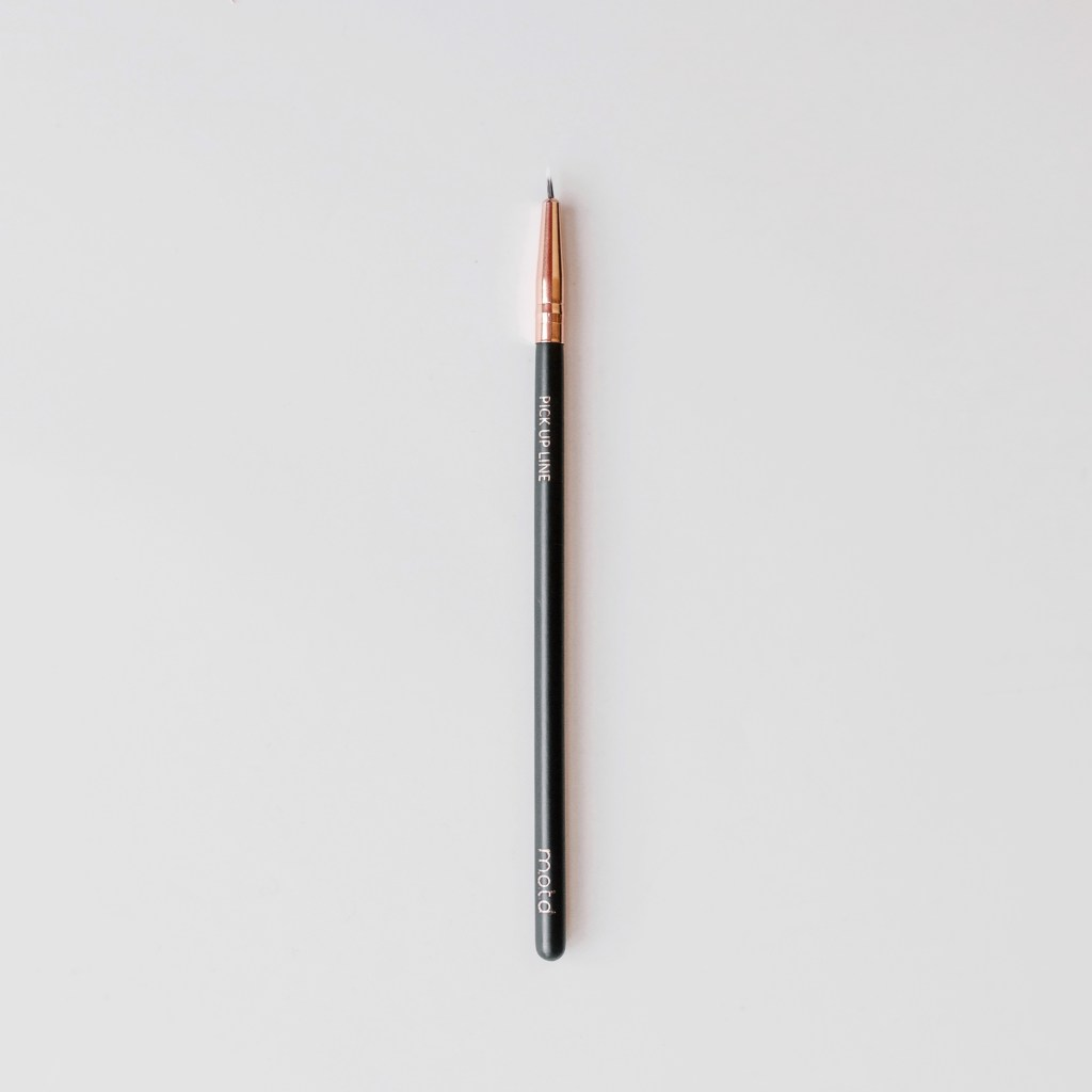 Pick Up Line Eyeliner Brush - Reussiintl.com