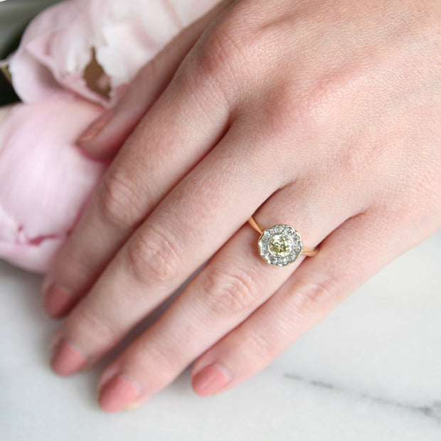 Edwardian Lemon Old Cut Diamond Daisy Cluster Ring