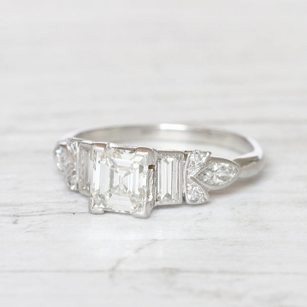 Art Deco 0.95 Carat Carré Cut Diamond Solitaire Ring