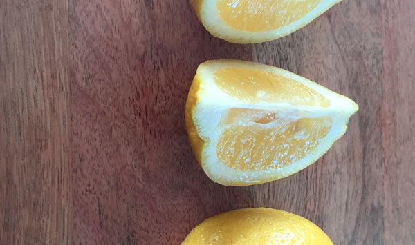 Seasonal fruits: lemons