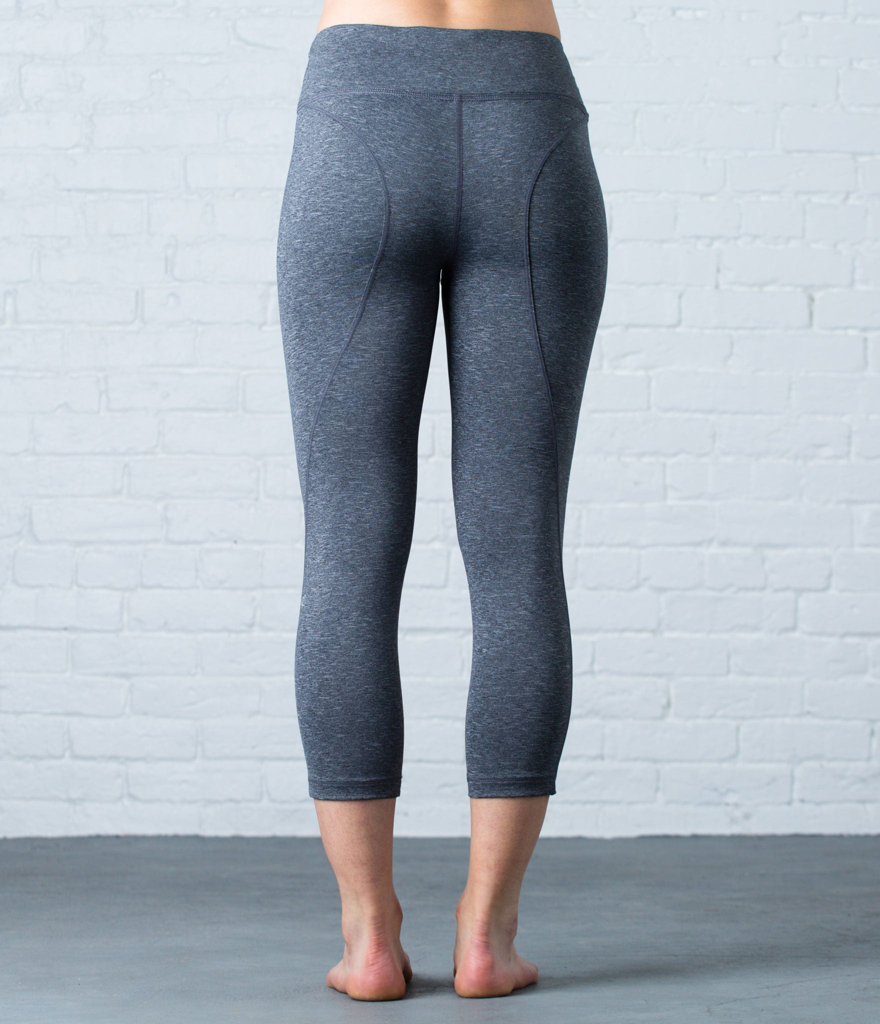 Lighweight Capri Tight