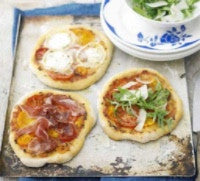 3 simple steps to making mini Party Pizzas...