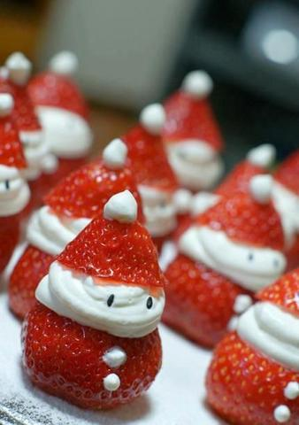 Children and Grandchildren round for Christmas - Make Them Smile with these cute santa strawberries party snacks!