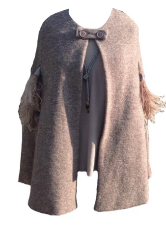 https://www.feathersofitaly.co.uk/products/mantella-di-lana-woolen-cape-mocha