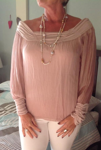https://www.feathersofitaly.co.uk/products/luccia-dusky-pink-silk-top