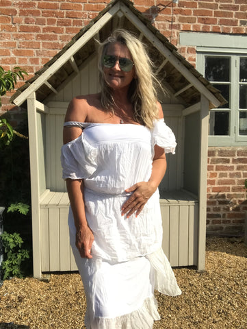 https://www.feathersofitaly.co.uk/collections/tops/products/white-cotton-and-silk-rouched-fronted-top-made-in-italy