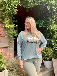 Apulia Leopard Lips Sweatshirt in Green - Feathers Of Italy