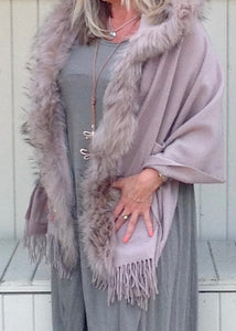 Lambswool Cape with Fur Trim Hood in Dusky Pink - Feathers Of Italy