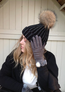 Vienna Gloves With Fur Pom Pom Trim in pale Grey - Feathers Of Italy