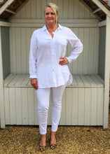 Load image into Gallery viewer, Linen Shirt in White - Feathers Of Italy