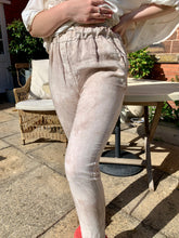 Load image into Gallery viewer, Luciana Linen Pant in Stone - Feathers Of Italy