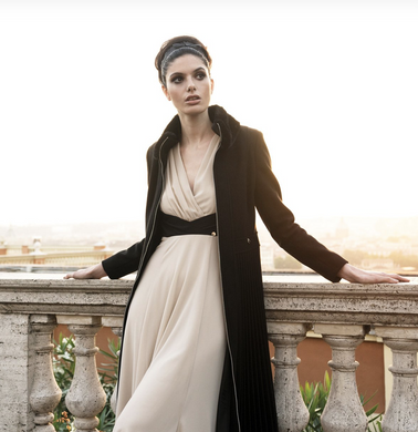 Rinascimento Cappotto Pleated Full Length Coat In Black - Feathers Of Italy