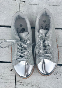 Capri Trainer in Silver Metallic and Glitter with Glitter Laces Size 6 - Feathers Of Italy