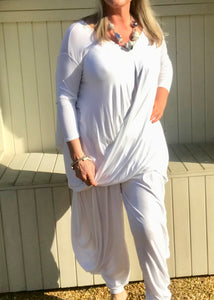 100 % Cotton Oversized Draped Style Crossover Jersey Top in White Made In Italy One Size - Feathers Of Italy