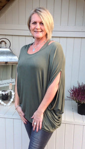 Gauli Oversized Double Top with Batwing Sleeves in Green made In Italy by Feathers Of Italy One Size - Feathers Of Italy