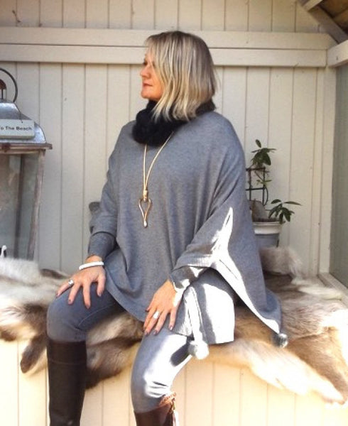 Mondial Poncho in Grey - Feathers Of Italy