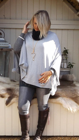 Mondial Poncho in Silver - Feathers Of Italy