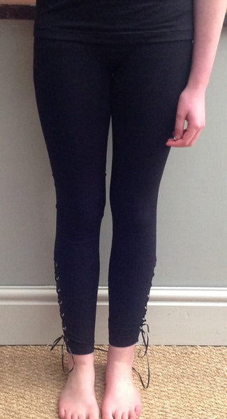 No Seam Lace-Up Leggings in Black - Feathers Of Italy
