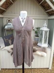 Vienna Zip Linen Dress in Mocha - Feathers Of Italy