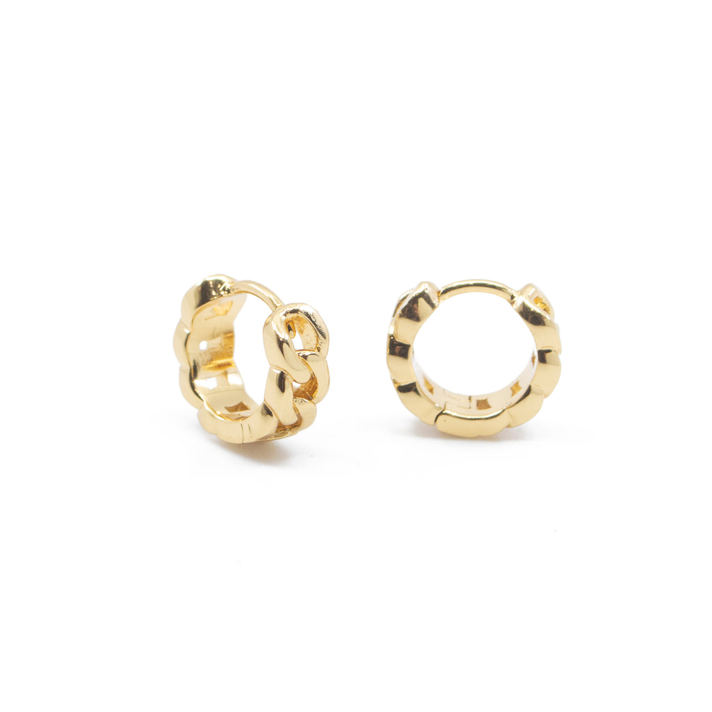 Chain Link Huggie Hoop Earrings in Gold
