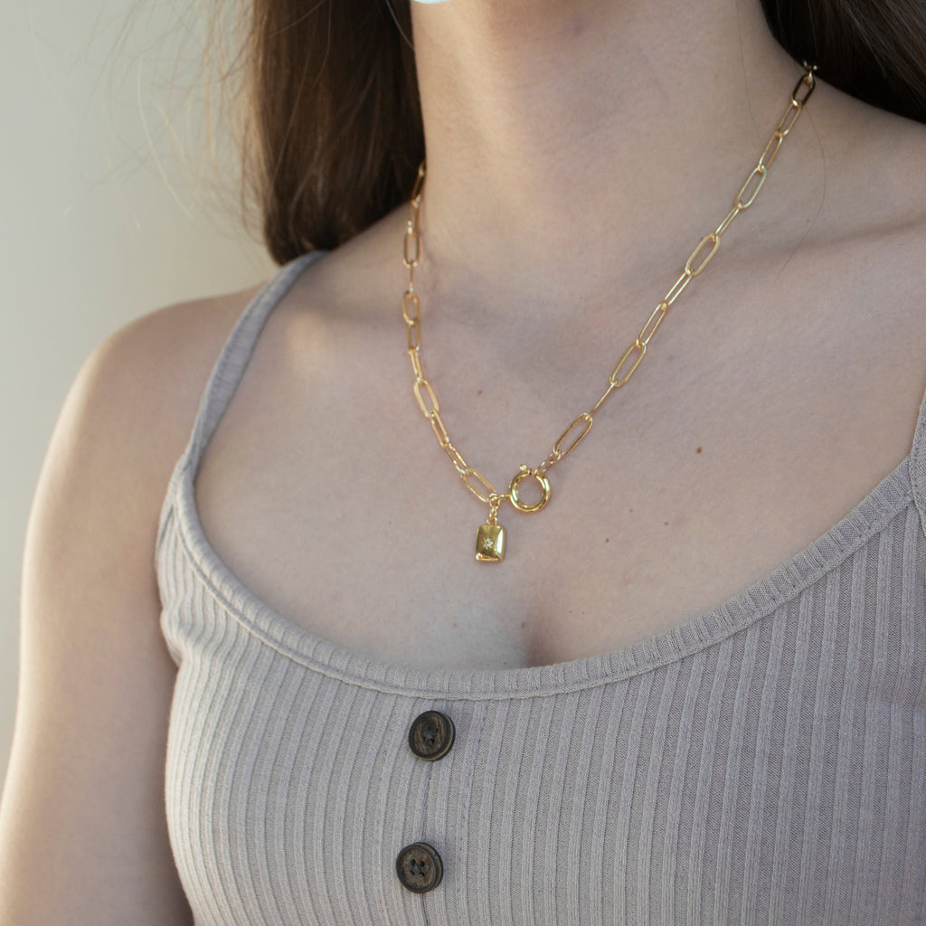 Cleo Necklace in Gold