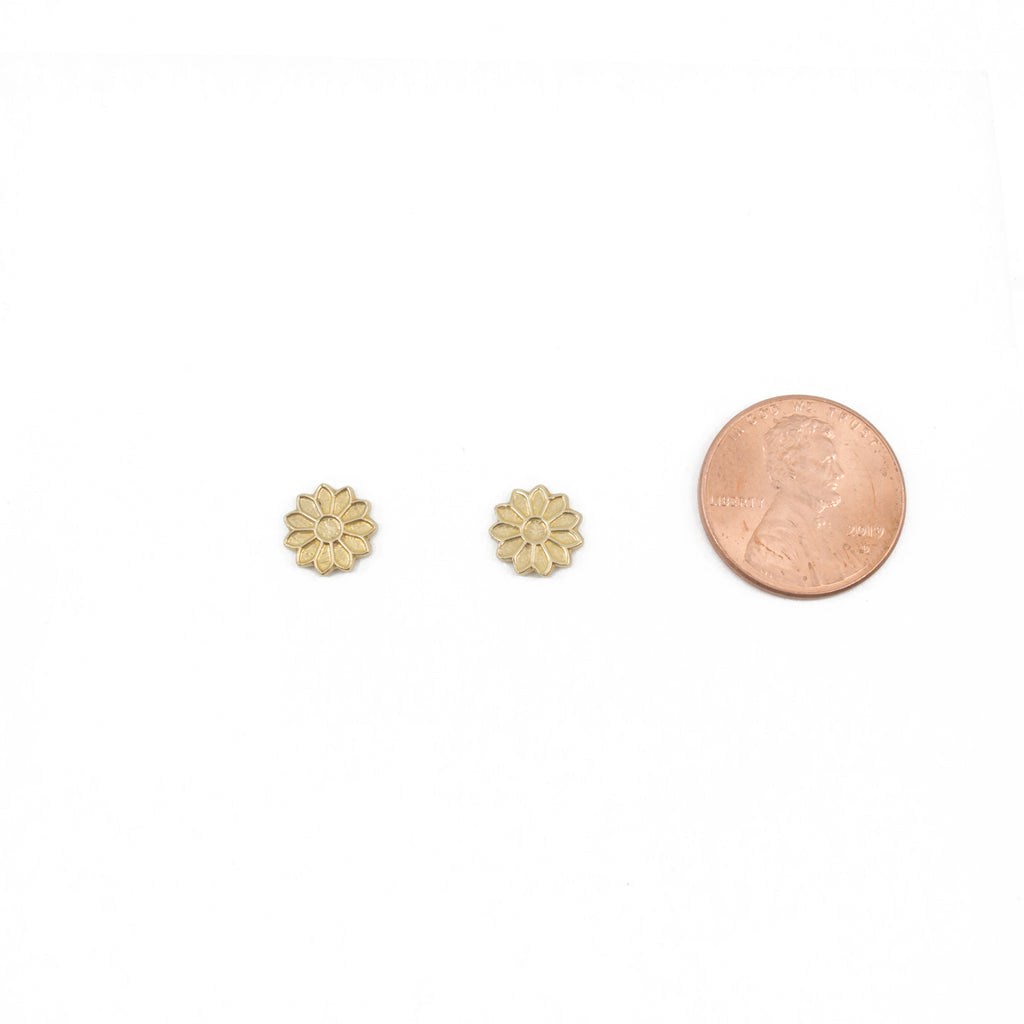 Daisy Stud Earrings in Brass