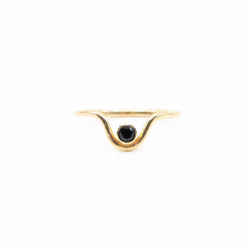 onyx black stone gemstone birthstone gold curved ring
