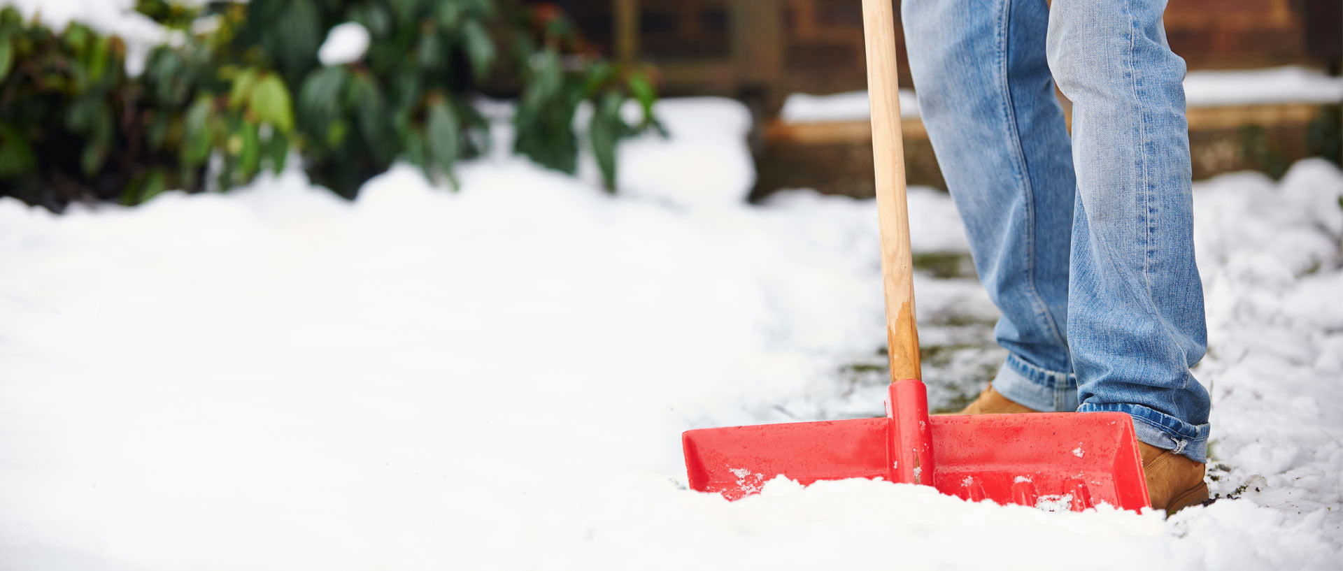 Winter Storm Hacks - Use Coffee Grounds to Salt Icy Walkways