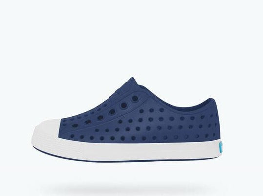 jefferson • regatta blue / shell white