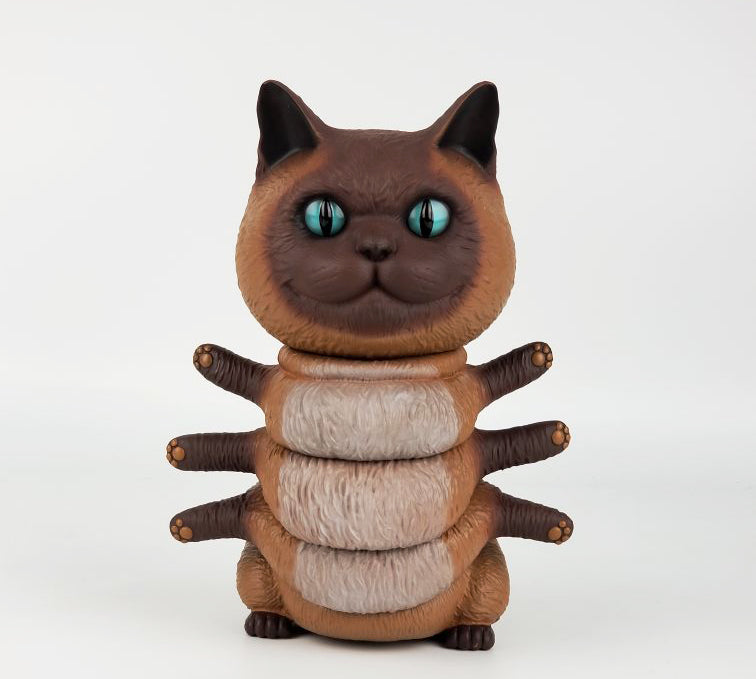 Casey Weldon Tenacious Exclusive Kittypillar Siamese 8-inch vinyl collectible by 3A 3A 3A Tenacious Toys®