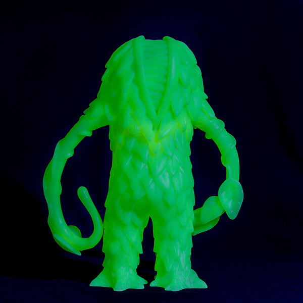 Trash Bag Bunch XL Liceplant GID 9-inch vinyl figure by Last Resort Toys