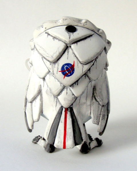 NYCC Exclusive MoonEyes + Stranded Cosmonaut Custom 14inch Omen Totem & 3inch Omen Set by UNCLE Studio - Tenacious Toys® - 8
