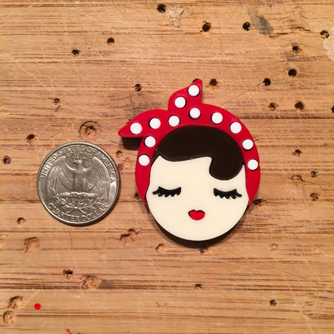 PRE-ORDE Rosie The Riveter brooch (mini)