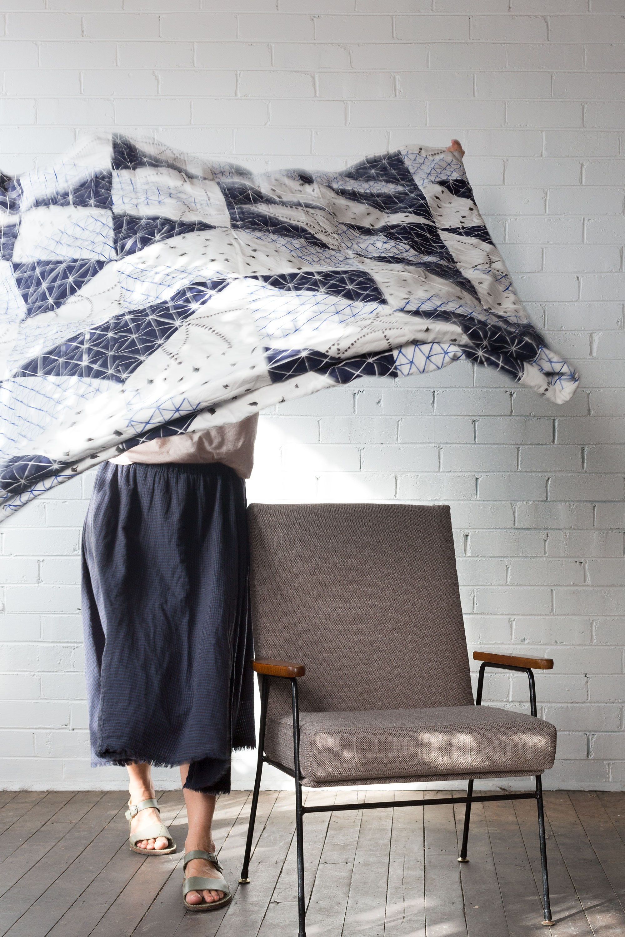 LARGE BED COVER : NAVY