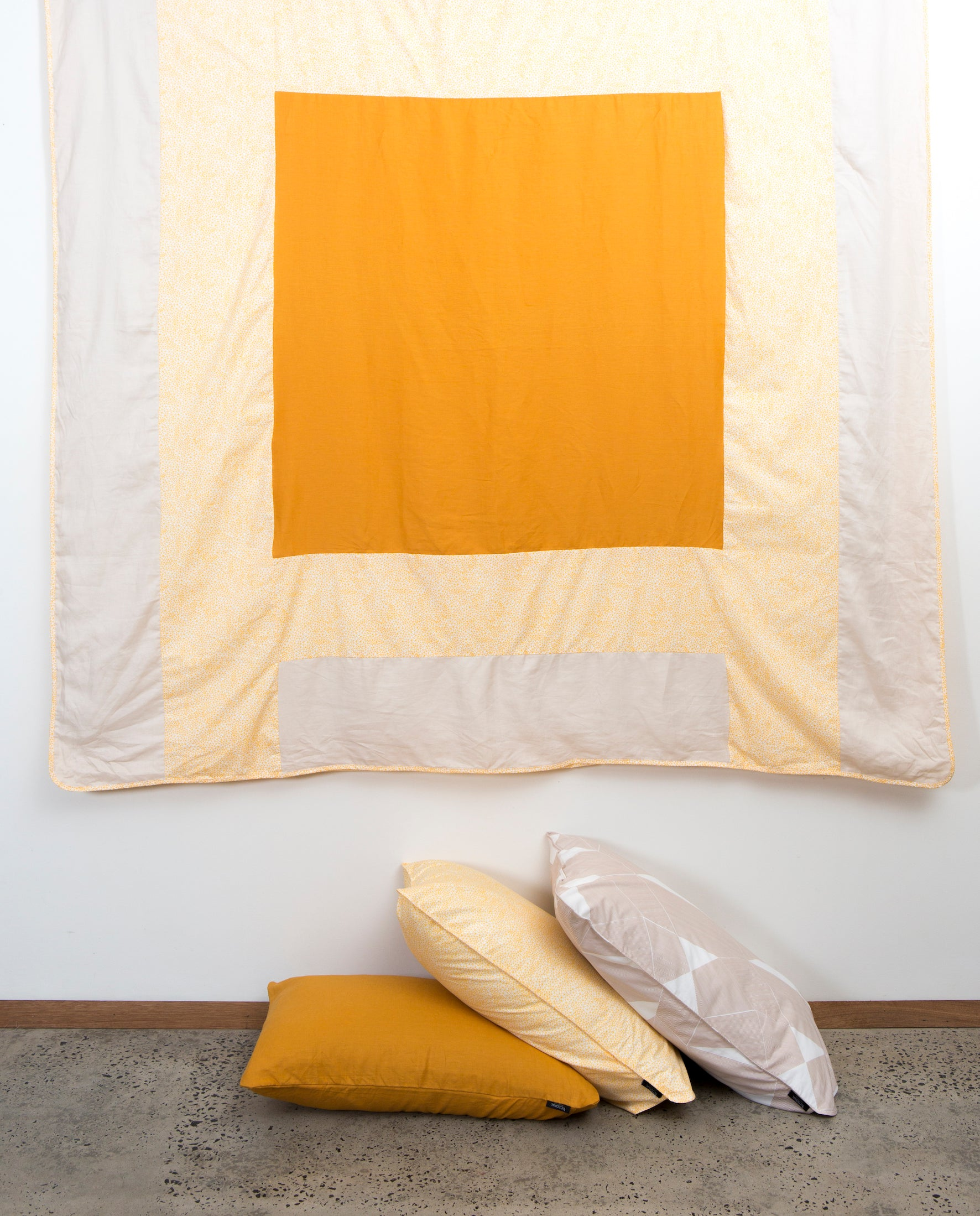 ABSTRACT LINEN & COTTON COVERS / YELLOW & CREAM