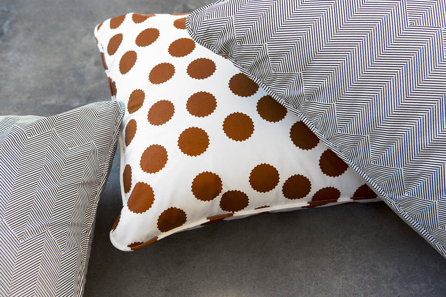 W_tan-pillow-black-feather-pillow