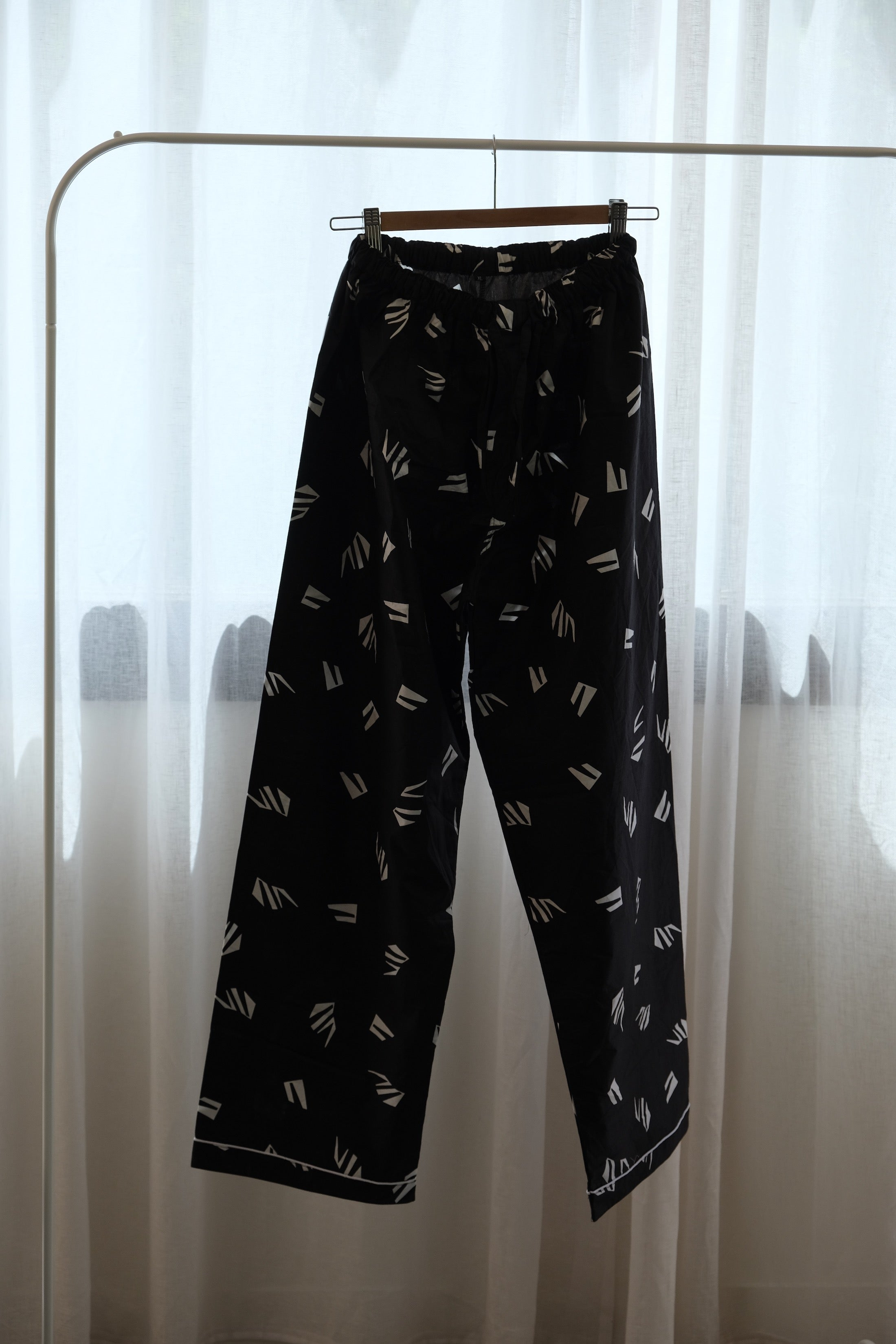PYJAMA PANTS : LONG : BLACK PAPER