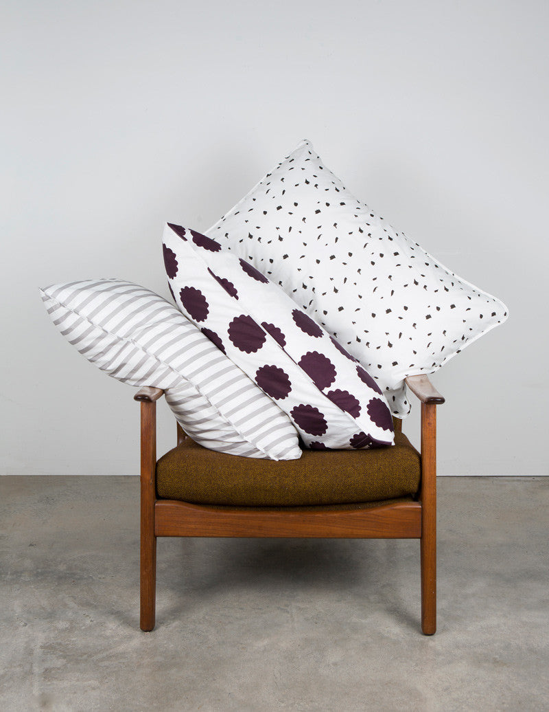 w-fictional-pillow-chair